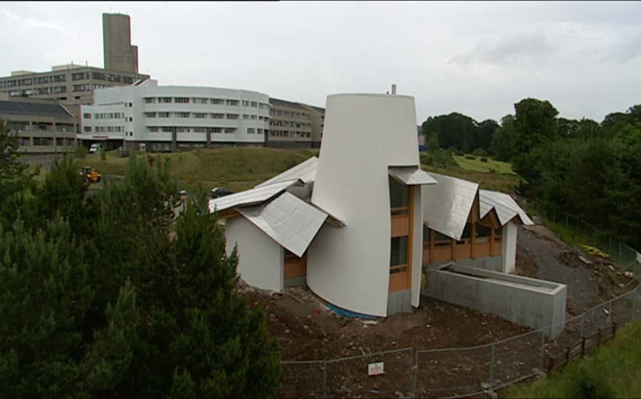 Frank Gehry Al Maggies Center : Frank gehry architects building maggies centre dundee