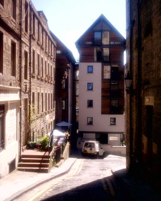 Royal terrace mews edinburgh new town property for 13 regent terrace edinburgh