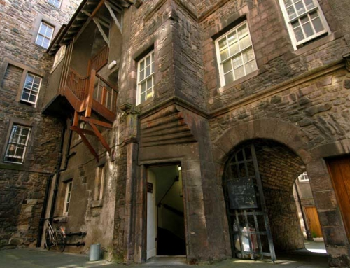 Riddles Court: Historic Old Town Building Edinburgh