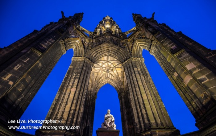 Scott Monument lighting