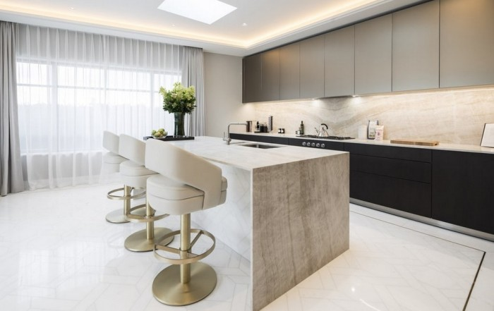 Art Deco Listed Refurbished Penthouse in Mayfair, London