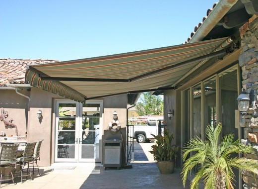 Buying Guide - Choosing a Retractable Patio Awning