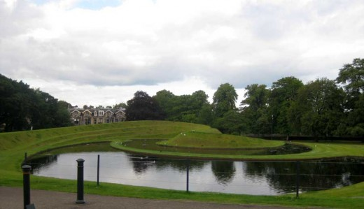 Landform SNGMA Edinburgh by Charles Jencks
