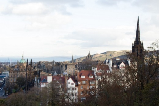 Architectural differences between London and Edinburgh Scotland