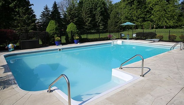 Things to consider when buying pool equipment
