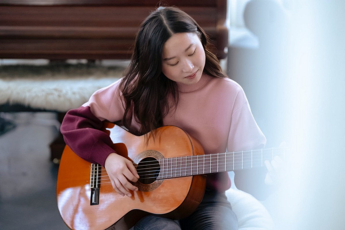 Common myths about guitar learning to avoid